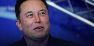 Musk says Tim Cook refused to meet with him on Apple buying Tesla